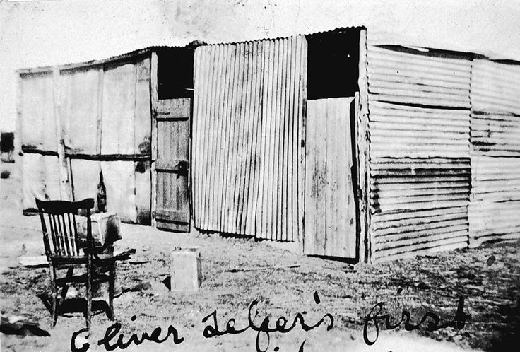 Soldier settler's first house, constructed of corrugated iron and hessian, Lascelles, 1922 (Oliver Telfer's?)