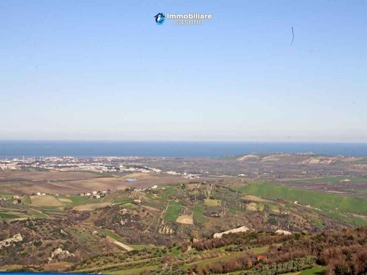 Historical house in the centre of the village for sale in Letella, Abruzzo Full details: www.immobiliarecaserio.com #property #house #historical #Abruzzo #Italy