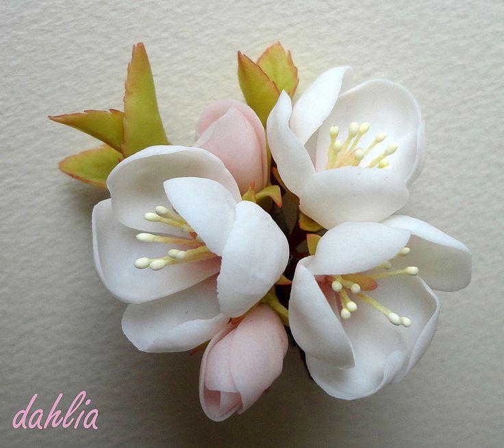 """Брошь """"Яблоня"""" - керамическая флористика,Холодный фарфор,цветы из полимерной глины"""