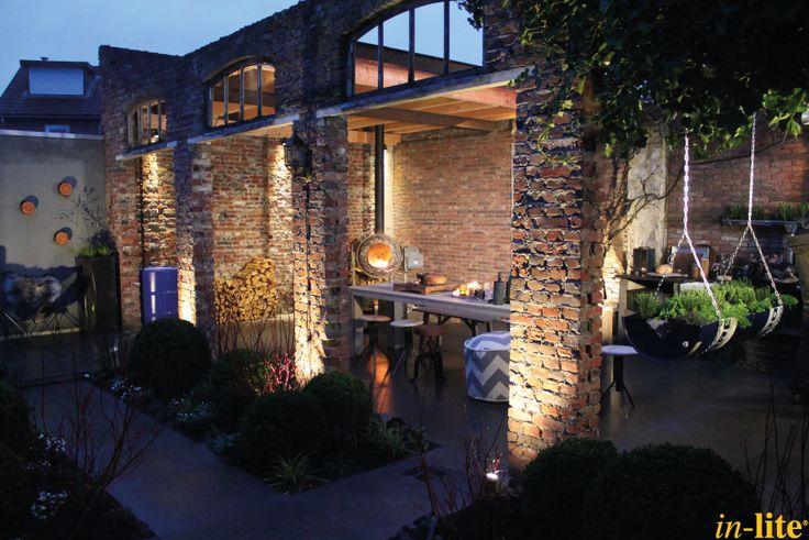 Sfeervol buitenleven | Industriële tuin | Buitenspot SCOPE | Border | Inspiratie | Tuinverlichting 12V | Outdoor lighting