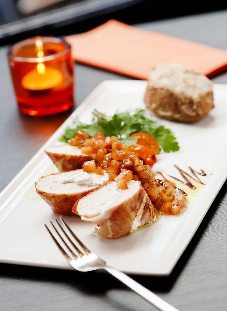 Rollade van gevogelte (Mechelse koekoek) en rauwe ham met geitenkaas - Hap & Tap !
