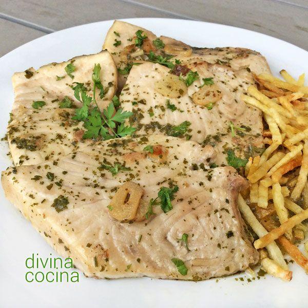 Este pez espada al Jerez es una receta tan sencilla como sabrosa, y puede prepararse con Fino o Manzanilla, con mucho sabor a cocina andaluza.