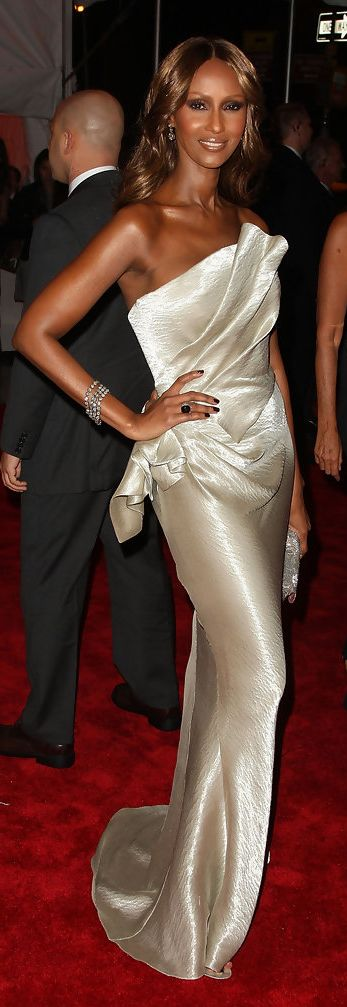 """Model Iman attends """"The Model as Muse: Embodying Fashion"""" Costume Institute Gala at The Metropolitan Museum of Art on May 4, 2009 in New York City."""