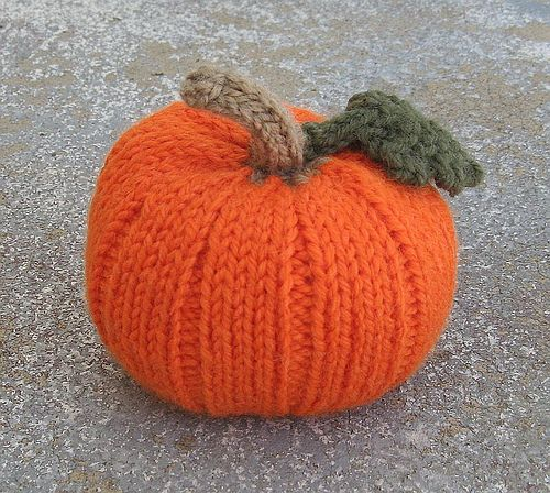 Ravelry: Autumn Pumpkins pattern by Jan Lewis