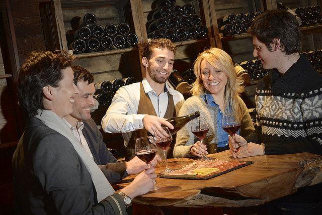 David Machet. Come share the wine...