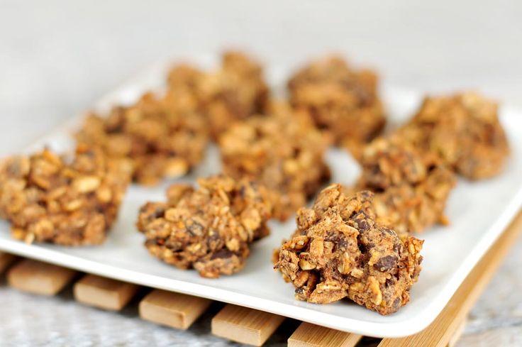 Een gezonde snack maken is niet moeilijk. Dt recept voor chocolade haver koekjes zonder suiker is een absolute gezonde snack. Makkelijk te maken, veel vitamines en mineralen.