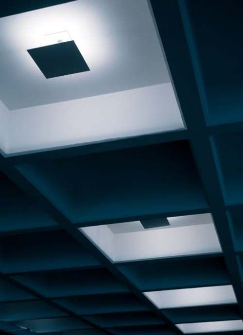 Lampada Quadra lighting fitting for interiors IP20 made of steel with white, black or polished finish. to be installed on brickwallsor ceilings by means of its apposite recessed box, or in plasterboard with the apposite bracket. it takes 100W 250V B15d lamps included in its package.