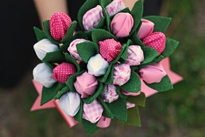 Hershey Kiss Bouquet of Flowers Tutorial, Valentine's, Mother's Day, Spring- I've seen these made with cellophane also: Hershey'S Kisses, Gift Ideas, Tutorial, Hershey Kisses, Valentine