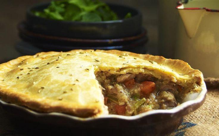 Chunky pork and fennel pie