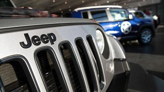 Fiat Chrysler is recalling more than 700,000 Jeep and Dodge sport-utility vehicles to prevent water from hurting brake performance.The recall covers 2011 through 2014 model-year Dodge Durango and Jeep Grand Cherokee SUVs. #jeep #Dodge #recall #JeepCherokee #Connecticut