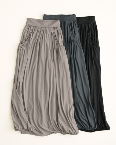 long skirts - maxi skirts - love skirts with pockets.