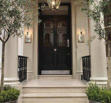 my favorite hotel in London : Knightsbridge Hotel, 10 Beaufort Gardens, London SW3 1PT