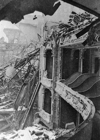zerstörtes Stadttheater, Opernhaus