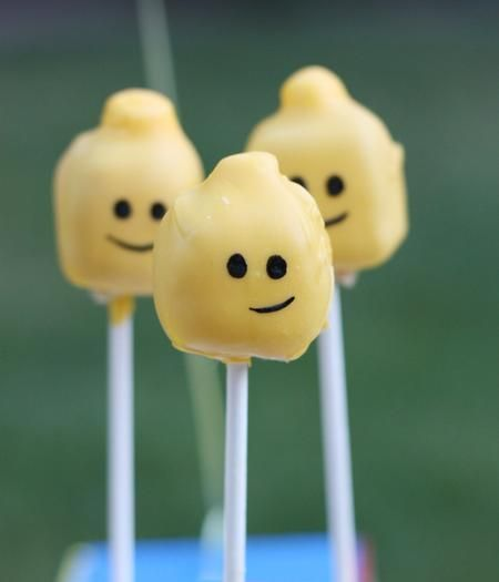Lego Party-cake pops! LOVE