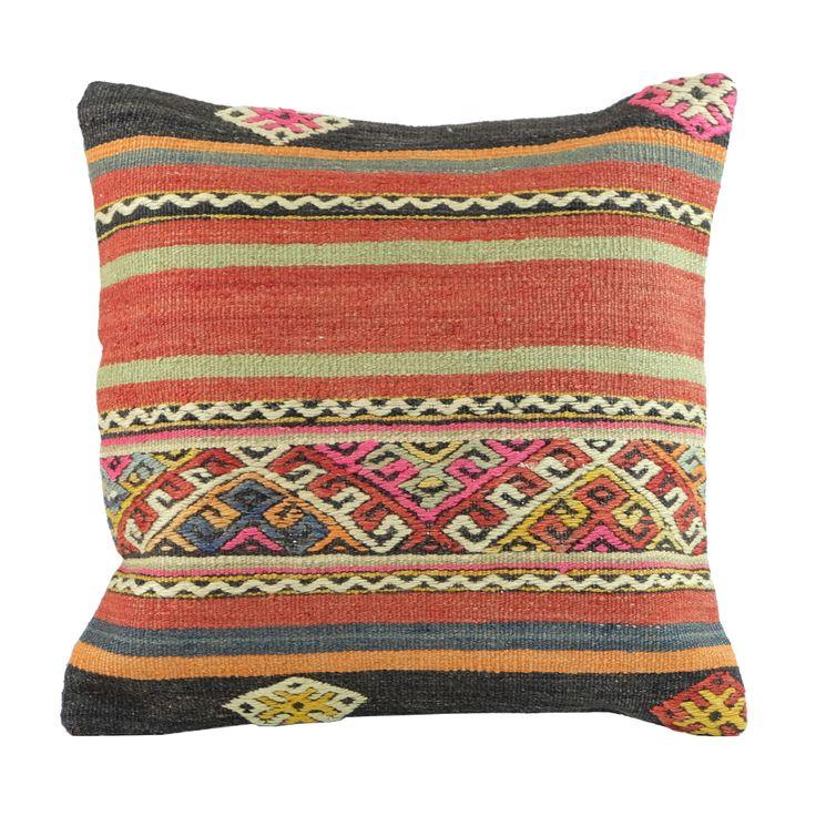 les 20 meilleures images du tableau coussins orientaux sur pinterest coussins decor ethnique. Black Bedroom Furniture Sets. Home Design Ideas