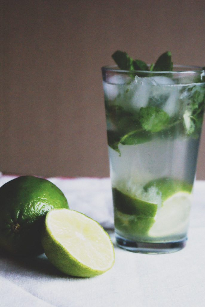 Skinny Mojito Recipe!  The perfect cocktail to not ruin your waistline.  Easy and Healthy