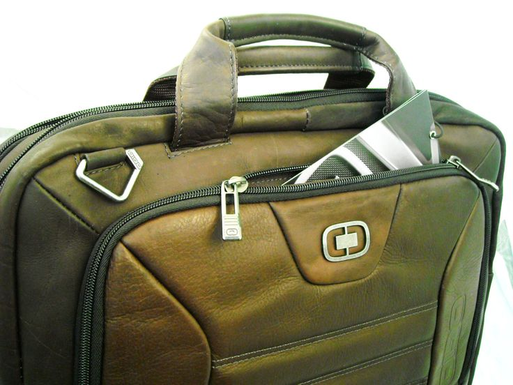 "DSCN6917bmodel disponibil pe negru brand USA OGIO, piele COLUMBIANA, 43x32x10cm, maro, suport laptop 17"", pa… https://gentidedama.wordpress.com/2013/12/25/geanta-servieta-zilei-brand-usa-ogio-piele-naturala-columbiana-43x32x10cm-maro-suport-laptop-17-compartimentare-ok-pasaj-trolerpret-bucuresti/ via @GENTOSENII"
