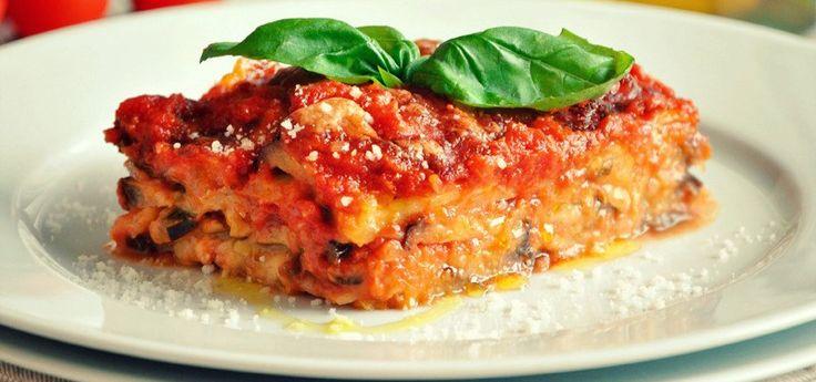 Aubergines and Tomato Pie or Parmigiana di Melanzane http://therealitalianfood.com/aubergines-and-tomato-pie-or-parmigiana-di-melanzane/