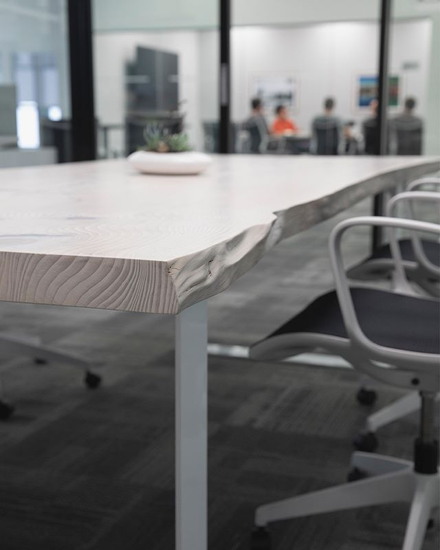 Custom Meeting Table With A Whitewashed Live Edge Hemlock Top Liveedge Officedesign Meeting Table Table Hotel Lounge