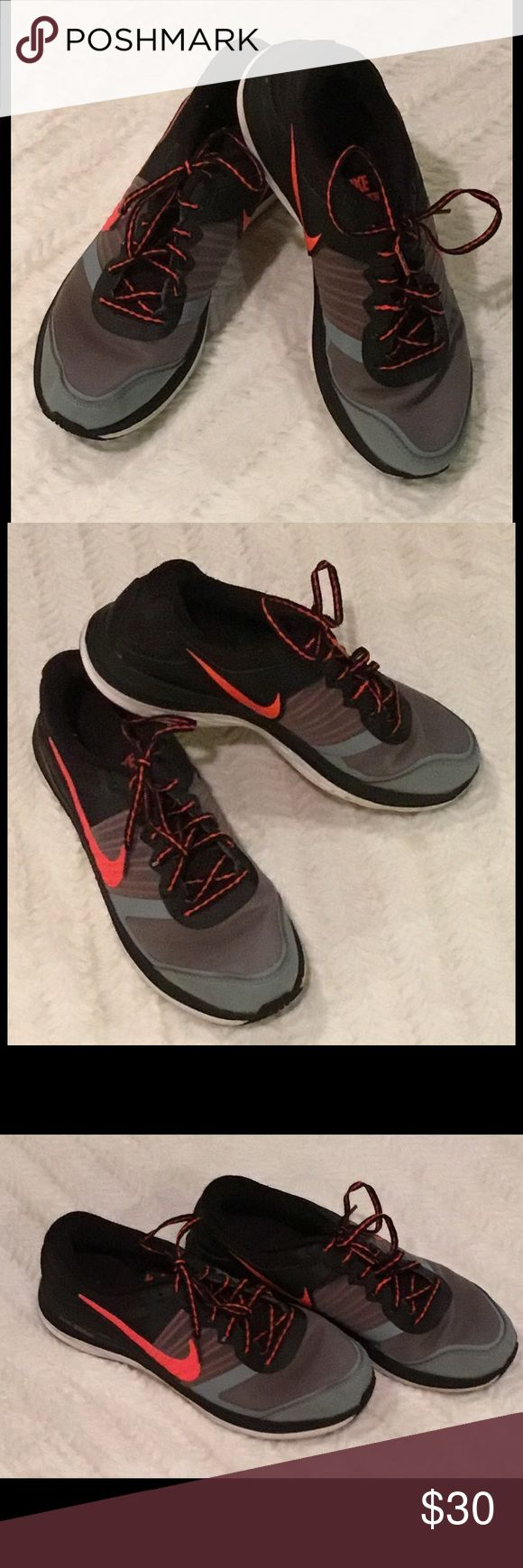 Men's Nike Sneakers 👟 Gently Used in Great Shape...My son barely wore them. Like New * Nike Shoes Sneakers
