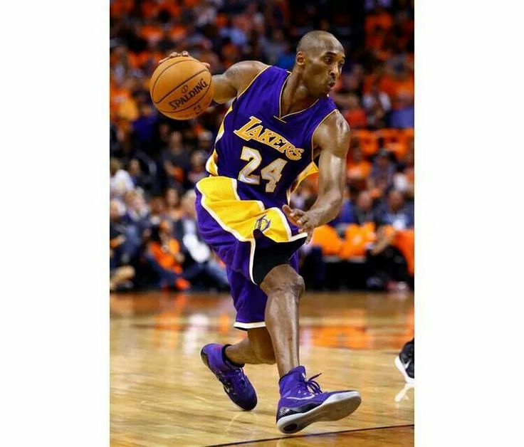 dropped 31 last night in a new Nike Kobe 9 Elite PE.