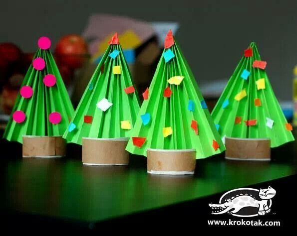 Kerstboompjes vouwen