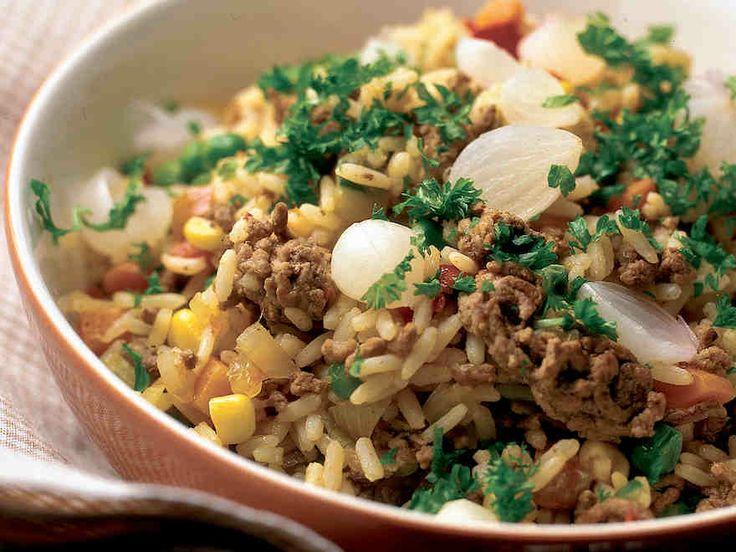 Arki-illan jauheliharisotto http://www.yhteishyva.fi/ruoka-ja-reseptit/reseptit/arki-illan-jauheliharisotto/011262