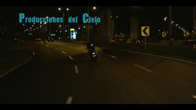 Una película dirigida por Juan Alfredo Uribe  Dirección de Fotografía por Luigi Baquero