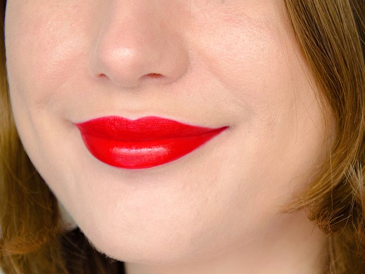 Rouge à lèvres Hydra Renew (Moisture Renew) - Rimmel London - Mayfair Red Lady (rouge orangé pin-up) http://amzn.to/2u19PkJ