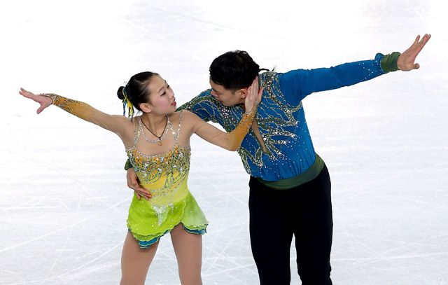 16 Pairs Figure Skating Costumes That Will Inspire You To Coordinate Outfits Better With Your Boyfriend