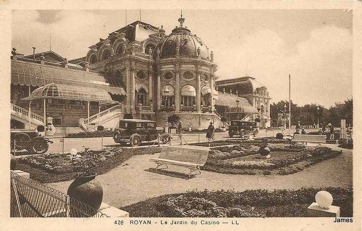 Royan municipal Casino was built in 1895. It was destroyed during the bombing of Royan in 1945