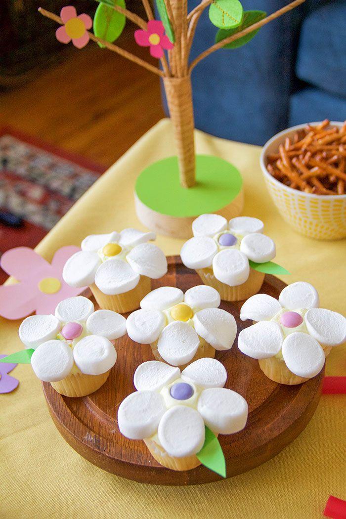 Rapunzel's Flower Cupcakes