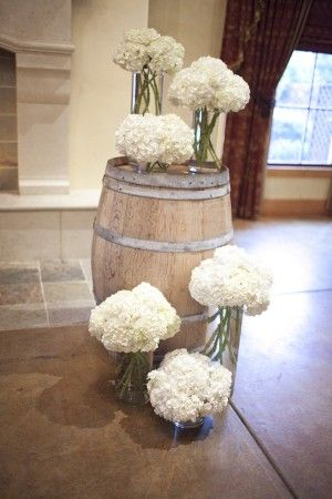 barrels: White Flower, Wineries Wedding, Wine Barrels, Rustic Looks, Rustic Bouquets, Vineyard Wedding, Rustic Flower, Wedding Ceremony, Hydrangeas