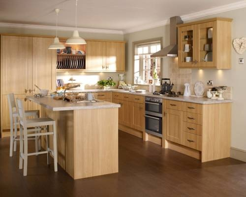 howdens oak kitchens burford light oak burford kitchen families kitchen 697