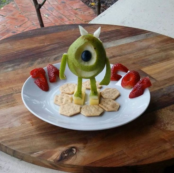 jacobs_food_diaries_3D Mike from Monsters Inc - Pear, cheese, strawberries, blueberries and crackers (Photo: Instagram/jacobs_food_diaries)_Mum makes healthy food fun for toddler by turning meals into cartoon characters - Mirror Online