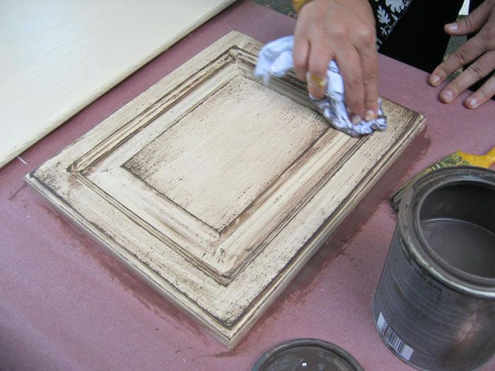 """Alt='how to glaze cabinets over paint"""""""