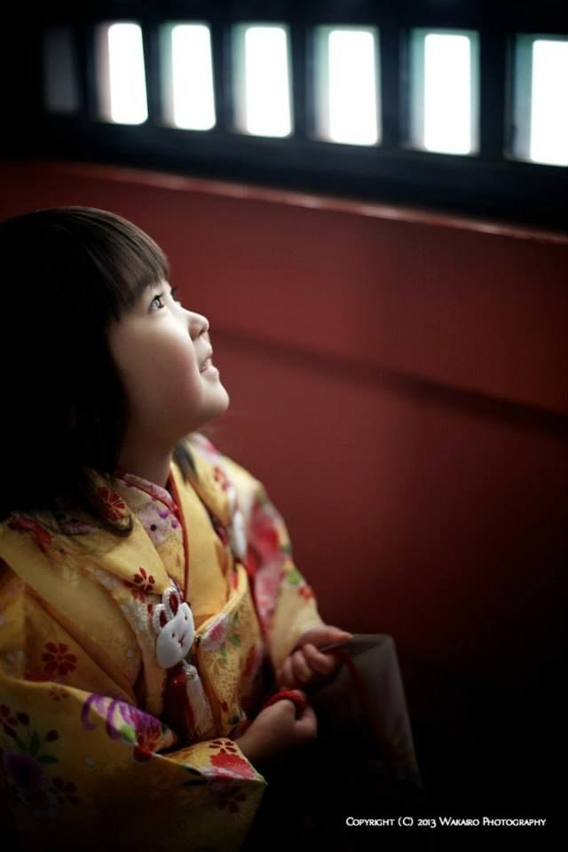 Shichi-Go-San 七五三 is a traditional rite of passage and festival day in Japan for three- and seven-year-old girls and three- and five-year-old boys, held annually on November 15 to celebrate the growth and well-being of young children. (photo by Kyosuke Wakairo)
