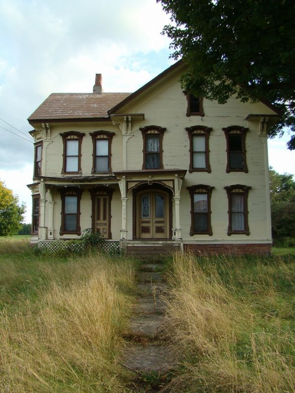 how to find old abandoned houses