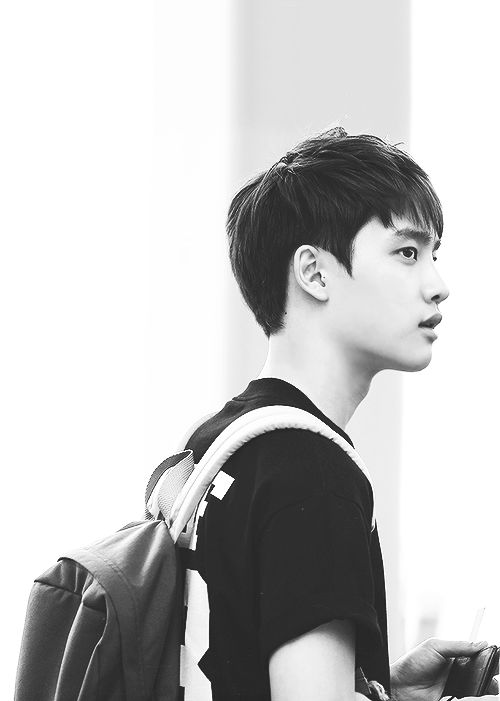 D.O, Kyungsoo - EXO HIS CANDID PICTURE ARE JUST ARGH SO ADORABLE