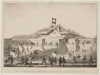 Amsterdam, Het eerste Amsterdamse zwembad dat met recht die naam mocht voeren, de 'Zwemschool aan het IJ', opende in 1846 aan de Westerdoksdijk.