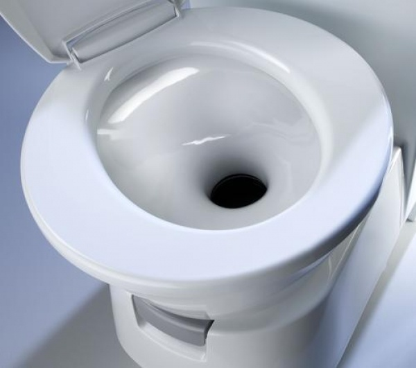 .The New Dometic CTW 3110 Cassette Toilet. Ceramic Stain Resistant Inlay.