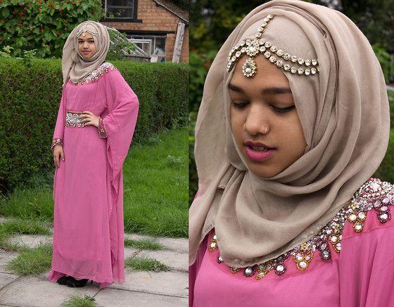 Saima Chowdhury - Muslimah Accessoriez Headpiece, Al Madina Hijabs Brownish Hijab, Roya London Pink Kaftan, Deichmann Heels - Jewels & Gems