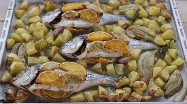 Ricetta Orata Di Benedetta Rossi.Orate Agli Agrumi Fatto In Casa Da Benedetta Ricette Ricette Di Cucina Idee Alimentari