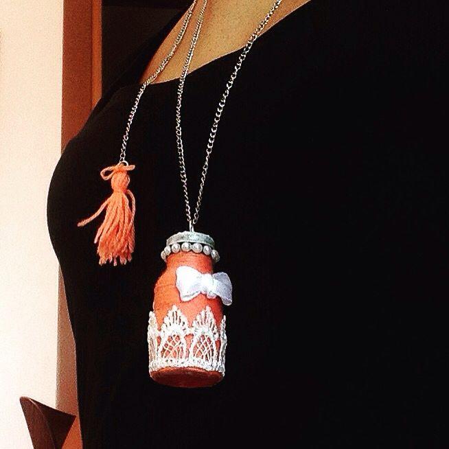 Collana con bottiglia decorata .... #handmade #handacraft #handcrafted #diy #artigianale #faidate #faidame #nicklace #bottiglia #bottle #nappina