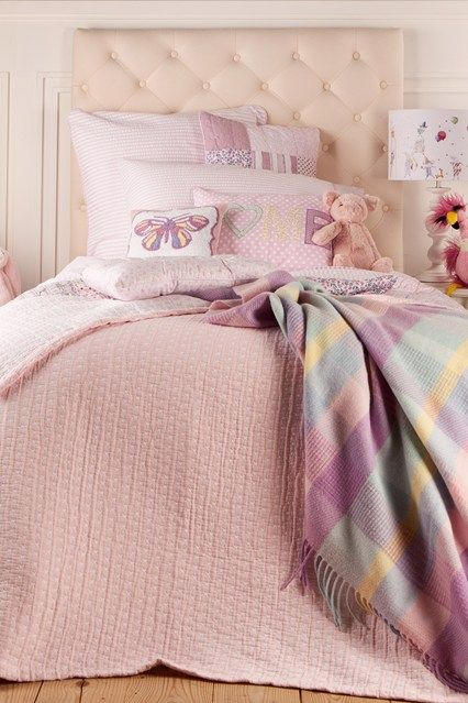 its all about pastel...love...love...