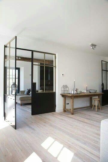 25 beste idee n over tv wand ontwerp op pinterest tv muren tv kamers en mediakamer ontwerp - Herbergt s werelds gordijnen ...