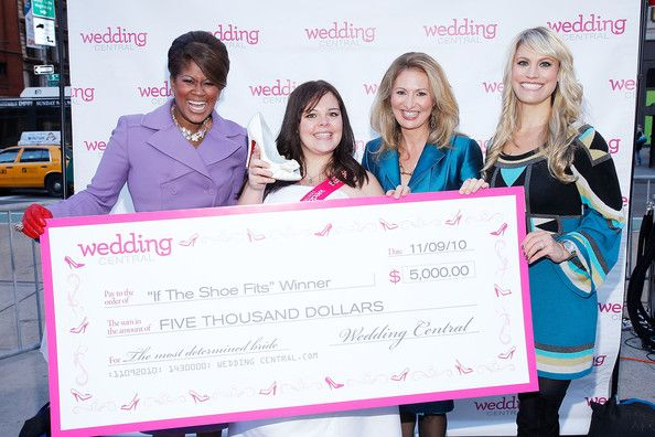 """Diann Valentine Photos Photos - (L-R) Wedding Central wedding expert Diann Valentine, the Wedding Central """"If The Shoe Fits""""  winner Stacey Steele President and GM of Wedding Central and We tv Kim Martin and Wedding Central wedding expert  Ceci Johnson attend the Wedding Central """"If The Shoe Fits"""" Stunt at Madison Square Park on November 9, 2010 in New York City. - Wedding Central """"If The Shoe Fits"""" Stunt At Madison Square Park"""
