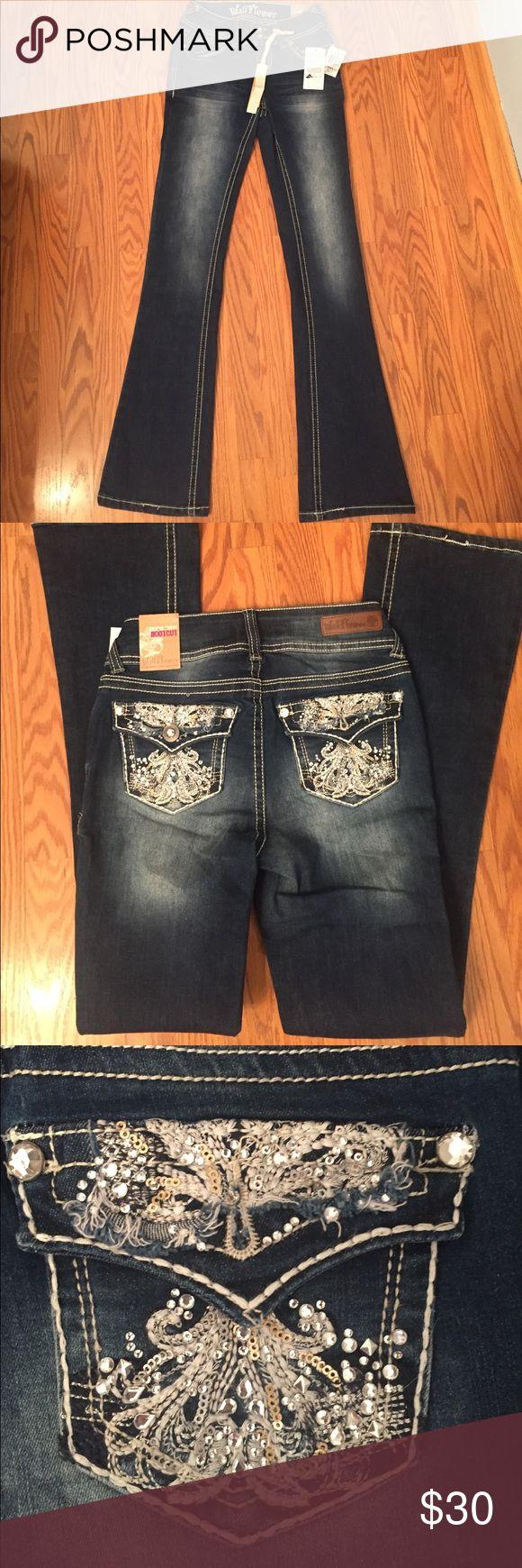 "Wallflower jeans NWT Wallflower luscious curvy bootcut jeans, inseam 31"" mid rise Wallflower Jeans Boot Cut"