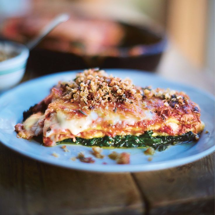 Jamie Oliver's crispy duck lasagne: one of the best thing I've ever eaten. I replaced the duck with 400 grams of shredded tofu, it was amazing!