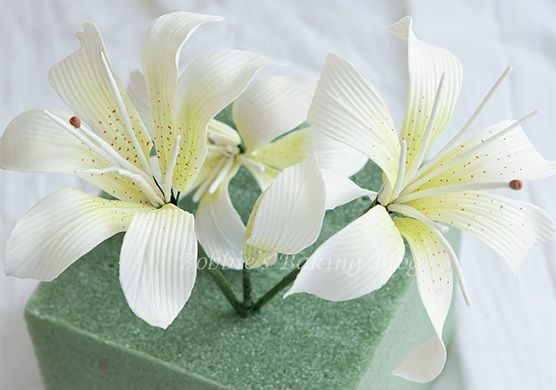 oriental lily sugar flower tutorial tiger lily by Bobbie's Baking Blog